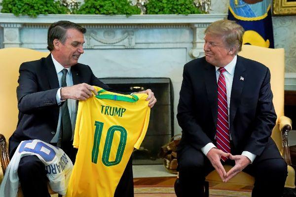 Bolsonaro y Trump piden a militares venezolanos dar la espalda a Maduro