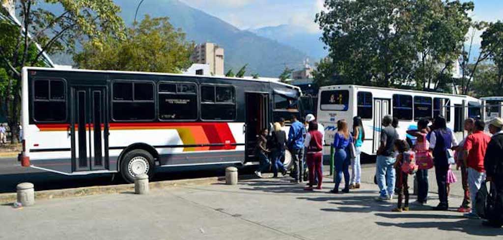 Aumentan nuevamente el pasaje en la ruta Guarenas-Guatire-Caracas - Descifrado.com