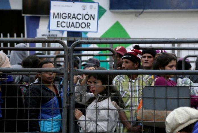 Venezolanos solo con pasaporte y visa