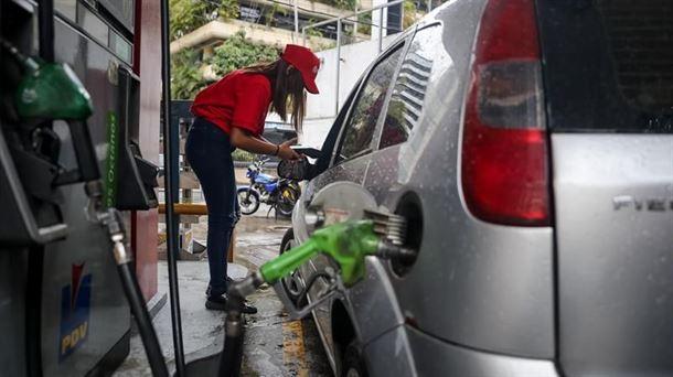 Diputado Quiñones: La corrupción acabó con la producción de la gasolina en Venezuela