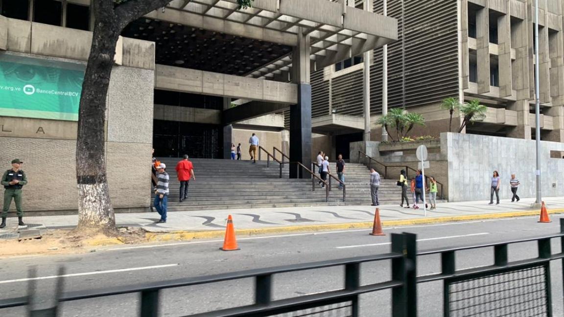 Venezuela planea imprimir nuevos billetes de Bs. 100.000 por un valor de solo $ 0.23
