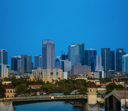 Banqueros de Florida ajustan medidas para evitar el mal uso de Zelle