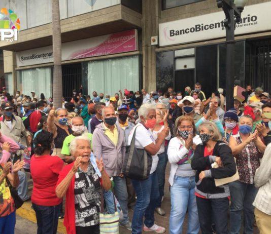Bancos colapsaron durante el segundo día de flexibilización de la cuarentena