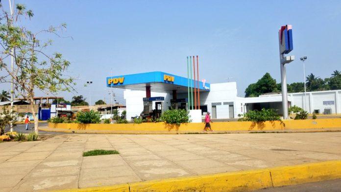 En Cumaná, las gasolineras comenzaron a cerrar por falta de combustible