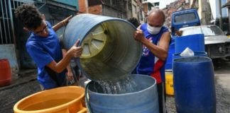 """BBC: Qué hay detrás de la """"fiebre"""" por excavar pozos en los edificios residenciales de Caracas"""