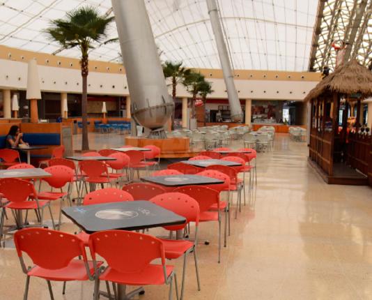 Ventas en centros comerciales fueron afectadas por reducción del horario laboral
