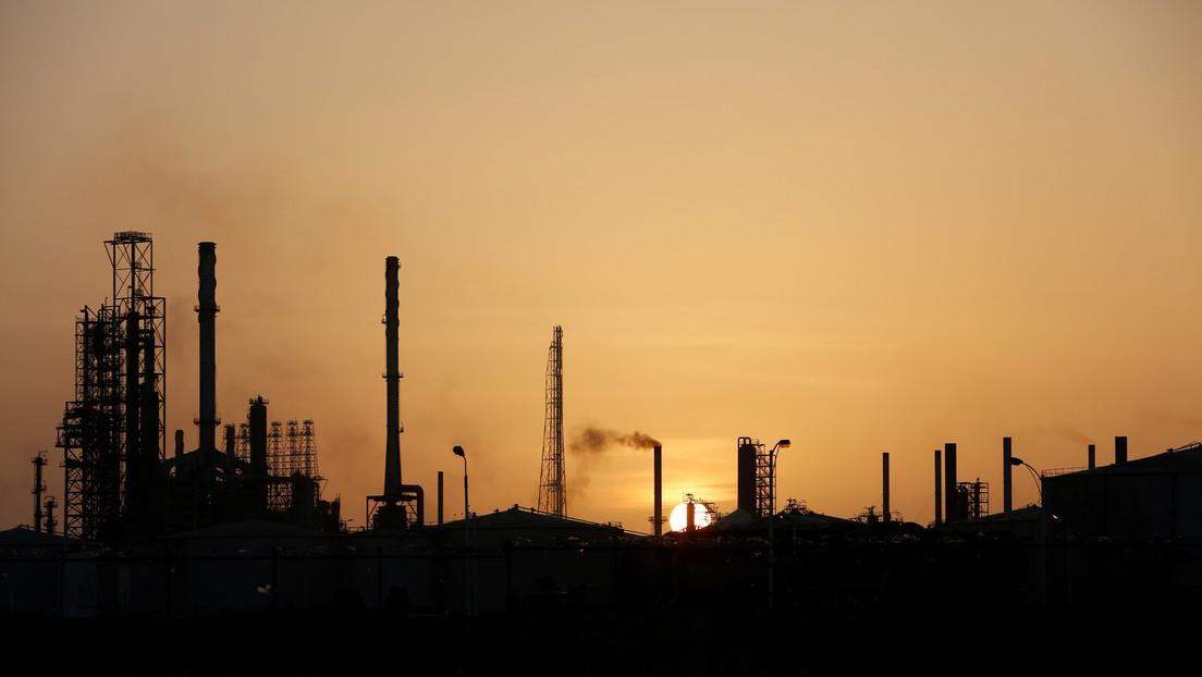 FUTPV: Dos incendios paralizaron la refinería Cardón