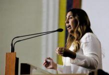 """Diputada Desiree Barboza: """"Los alacranes y Maduro se roban el dinero de los venezolanos"""""""