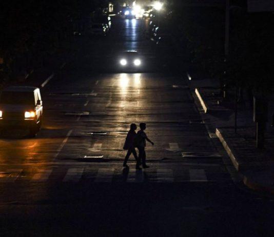 Encuesta revela que 93,7% de los venezolanos tienen un servicio eléctrico deficiente