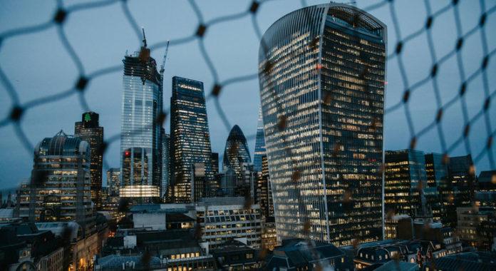 El FMI advierte que la economía global