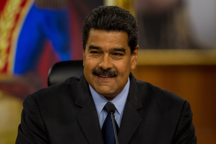 Maduro evalúa