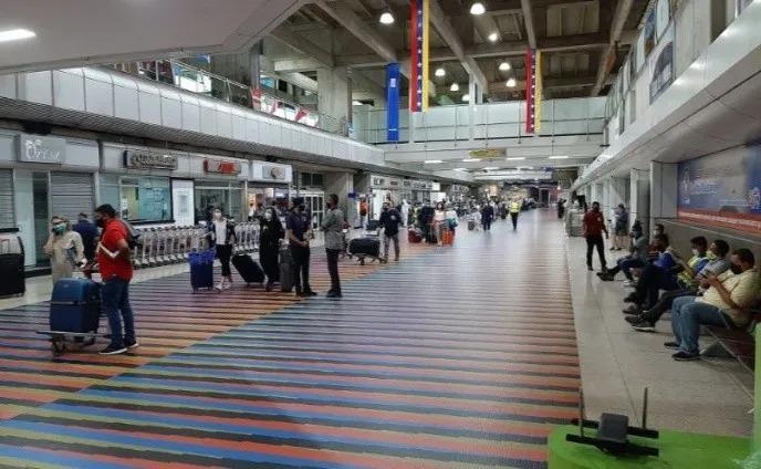 Venezuela autorizó vuelo para repatriar a España a más de 290 personas