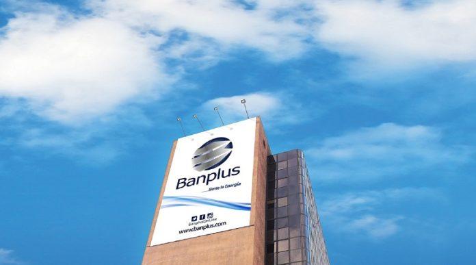Banplus emitió tarjeta de débito para pagar en divisas