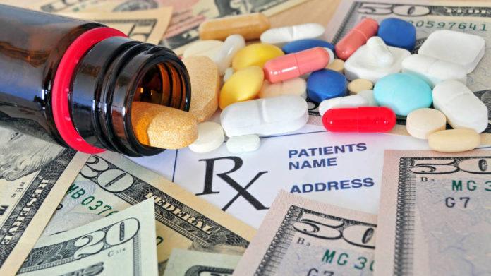 Proponen crear un impuesto para farmacéuticas y firmas tecnológicas