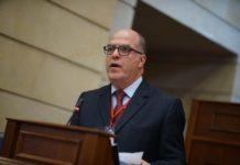 Julio Borges: Para finales de este año los precios habrán aumentado entre 4.500% y 5.500%