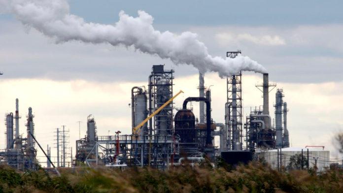 Refinería El Palito produce 40 mil barriles diarios de gasolina