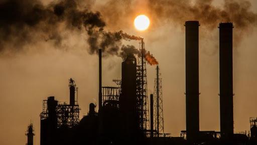 Venezuela reanuda producción de gasolina en refinería Cardón