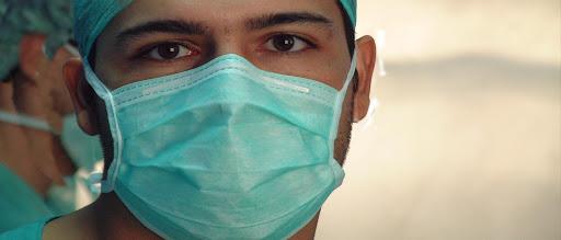 Perú autoriza contratar a médicos venezolanos sin homologar sus títulos