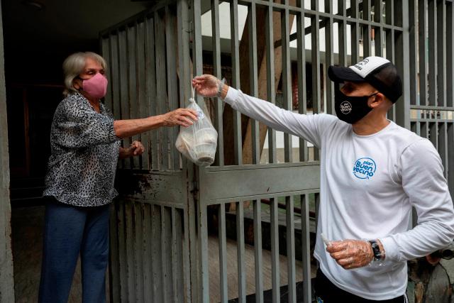 Efe: Las redes de ayuda atenúan la crisis en Venezuela