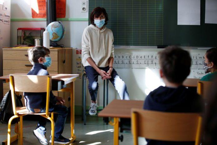 Unesco: Solamente uno de cada tres alumnos en el mundo vuelve al colegio