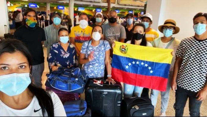 Venezolanos varados en el mundo piden repatriación