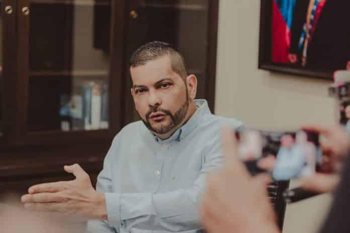 Omar Prieto: Estaciones Premium pueden importar gasolina y venderla por encima de 0,50 dólares
