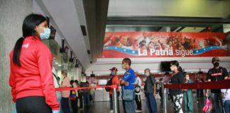 """Economista explicó cómo la banca avanza a una adecuación """"multimoneda"""" en Venezuela"""