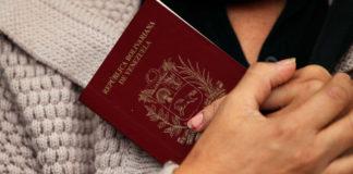 """Director del Saime considera innecesario imprimir pasaportes porque """"todo está paralizado"""""""
