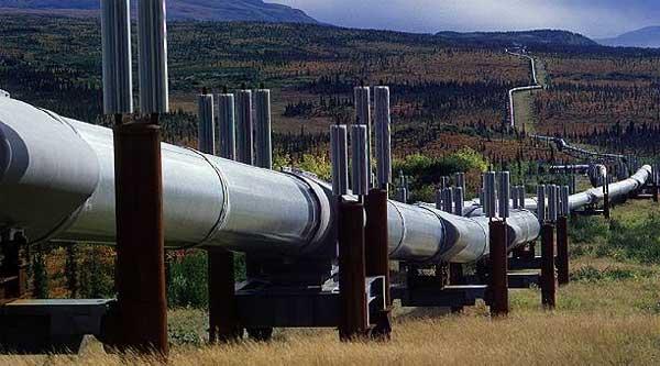 Bloomberg: Régimen de Maduro está destrozando oleoductos para venderlos como chatarra