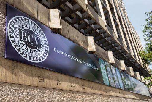 """Economista Benjamín Tripier: """"El aumento del encaje legal a la banca nacional no va a subir la cotización del paralelo"""""""