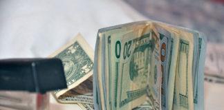 """Dolarización de la banca debe aprovecharse para transacciones del """"día a día"""""""