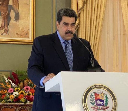 """Maduro: """"Ya estamos produciendo toda la gasolina que Venezuela necesita"""""""