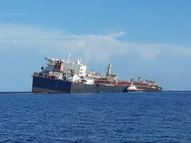 Hay dos barcos junto al Nabarima para evitar que se hunda