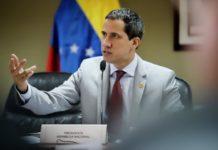 Bloomberg: Guaidó insta a juez a no acelerar venta de refinería