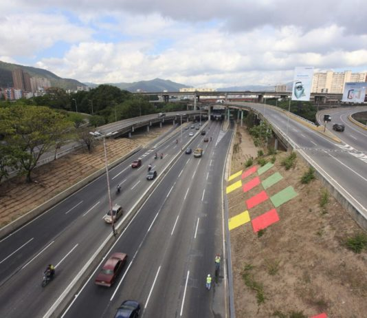 Nicolás Maduro anunció un nombre nuevo para la autopista Francisco Fajardo