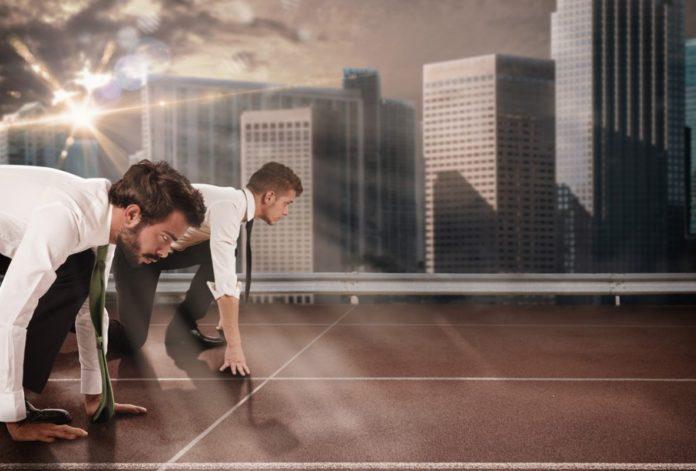 Economista da recomendaciones a las empresa para ganar competitividad
