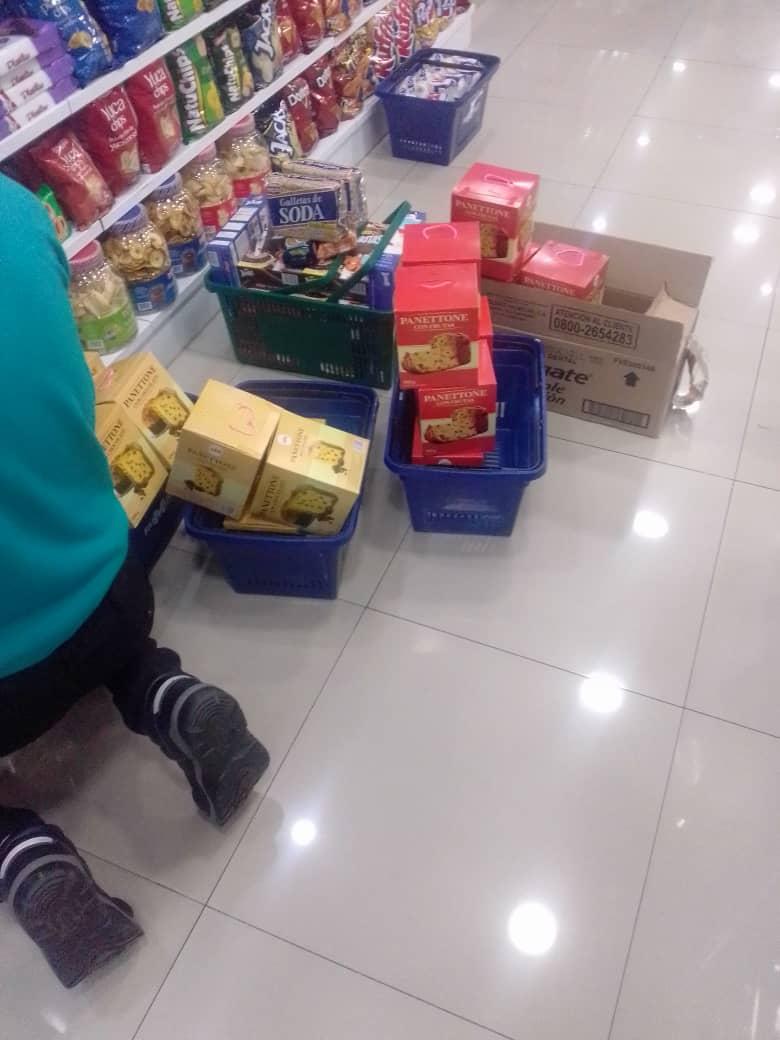 Así están los precios de los panetones en centros comerciales de Caracas