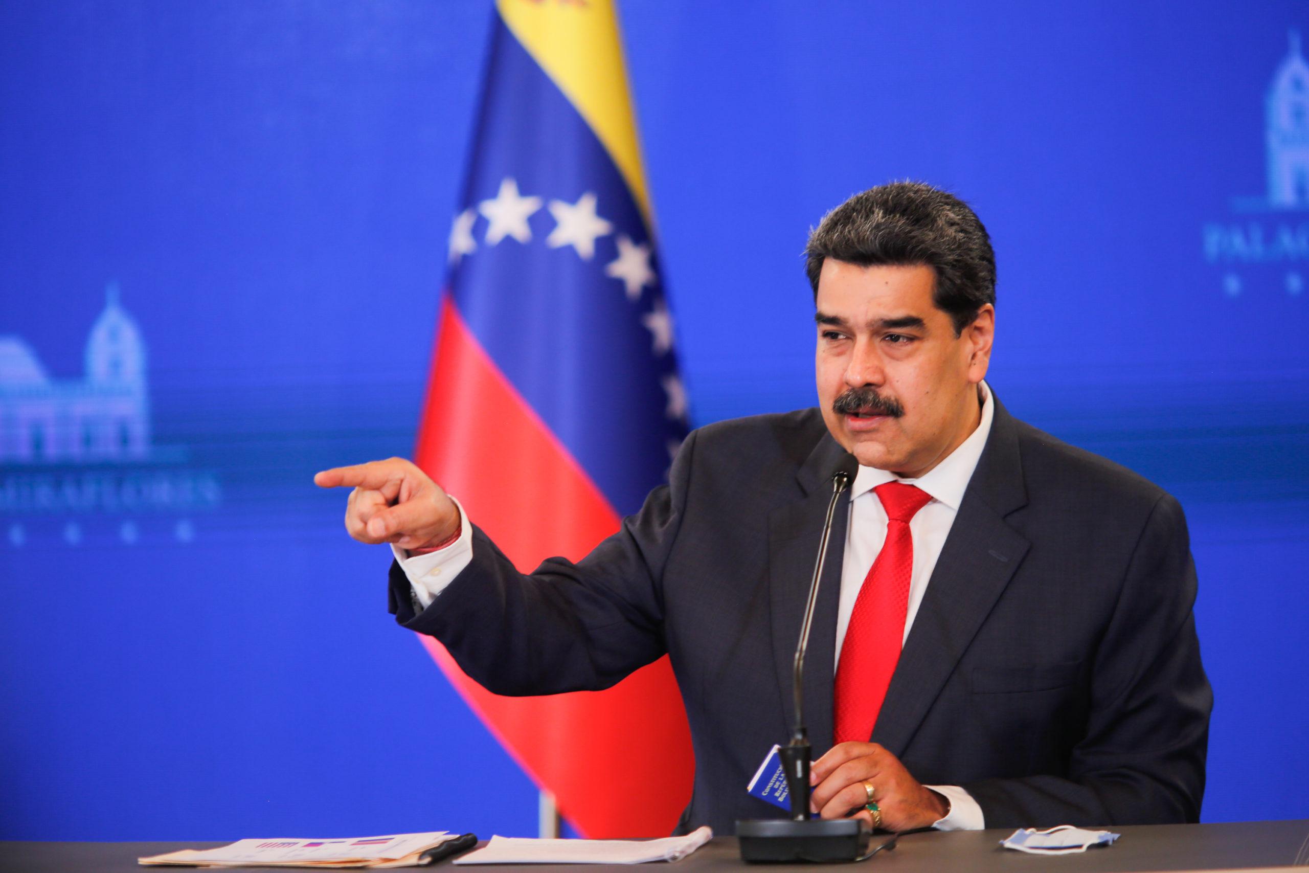 Constituyente de Maduro se va tras anular Parlamento opositor pero sin Constitución