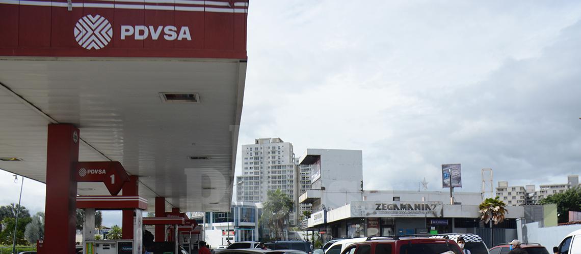 Escasez de gasolina y crisis económica ahogan al sector turismo en Venezuela