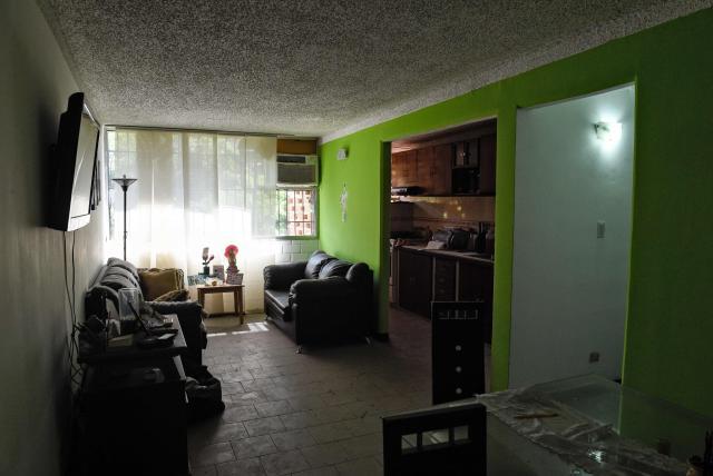 Venezolanos en Colombia: De vivir en casas propias a pagar residencias por días (+video)
