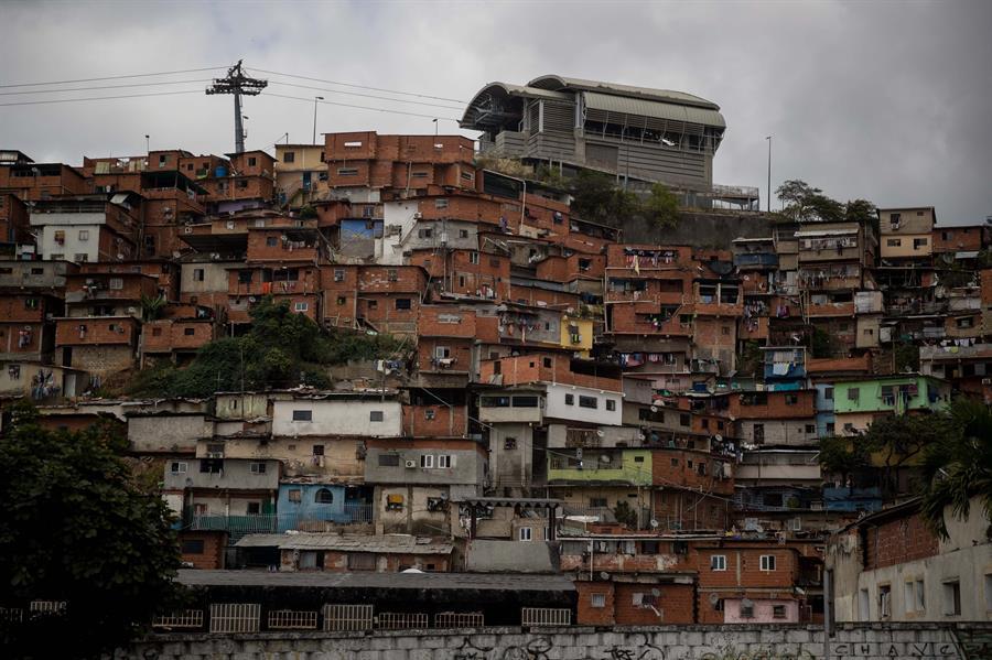 Venezuela: 4.000 años de trabajo para comprar una casa