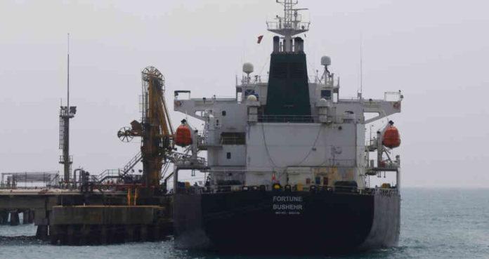 Dos buques con más de 400.000 barriles de gasolina iraní llegaron a Venezuela