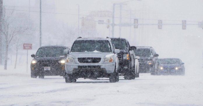 La intensa tormenta invernal que atraviesa Estados Unidos dejó dos muertos en Texas