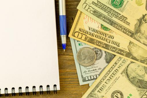 """""""Te hago la tarea por 5 dólares"""": Las buenas notas también se mercadean en Venezuela"""