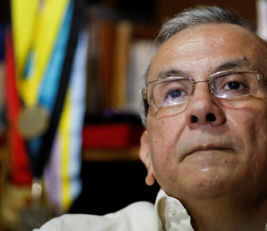 "Rodrigo Cabezas: ""Las sanciones profundizaron la crisis pero no la originaron"" (+carta)"