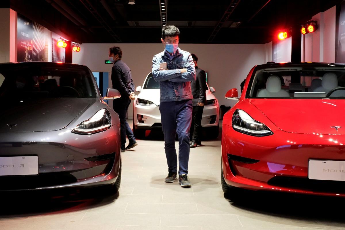 Tesla invierte 1.250 millones en bitcoins y aceptará pagos en la criptodivisa