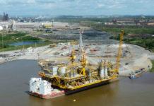 """Con una industria en el """"foso"""", Venezuela pierde el tren del alza del crudo"""