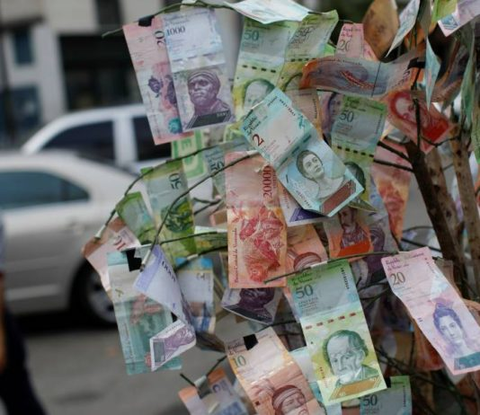 """El cono monetario tiene 14 piezas y """"el 90% son inservibles"""""""