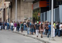 Las agencias ceden ante auge de la banca online