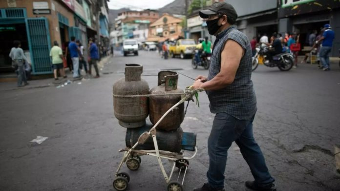 Las bombonas de gas se consiguieron con precios dolarizados en febrero, según el OVF